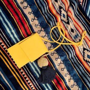 Handbags - 🥵Hot🥵 Yellow Crossbody Bag
